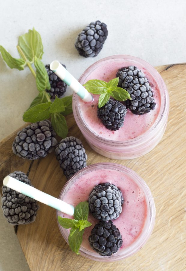 berries-blackberries-close-up-cocktail-434295